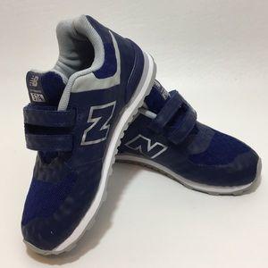 New Balance Unisex Toddler Velcro Closure Sneakers